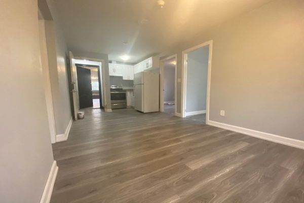 1651 Lakeshore Rd W, Mississauga
