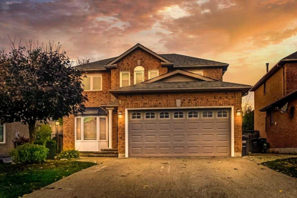 82 Riverwood Terr, Caledon