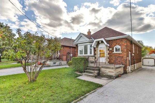 70 Chamberlain Ave, Toronto