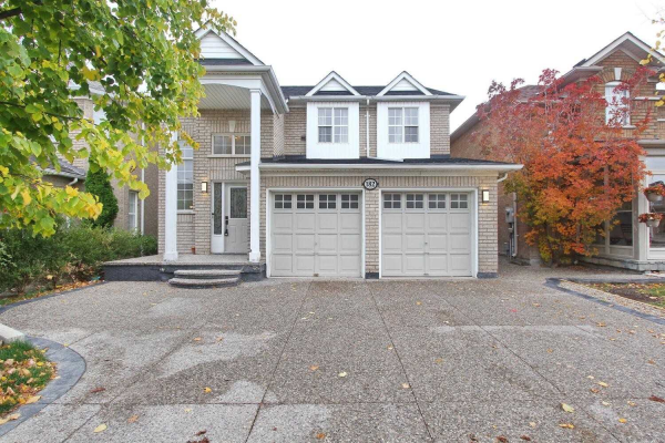 182 Queen Mary Dr, Brampton