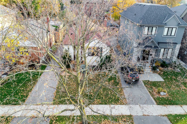 97 Edgecroft Rd, Toronto