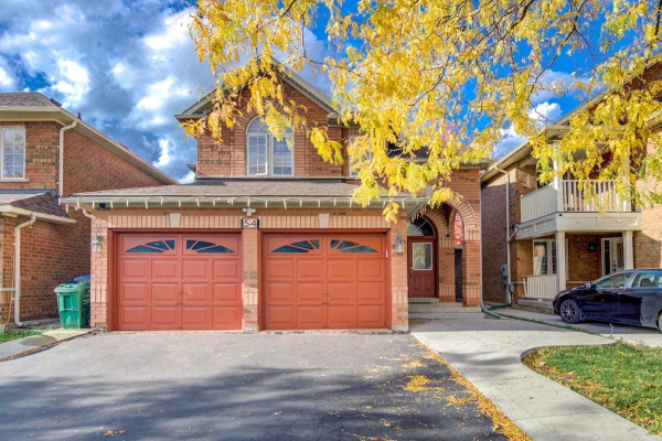 54 Riverbank Rd, Brampton