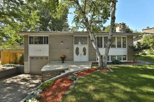 1198 Half Moon Lane, Oakville