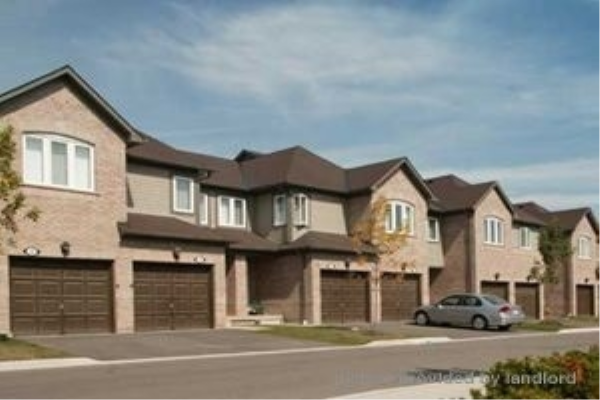3 Pleasantview Ave, Brampton