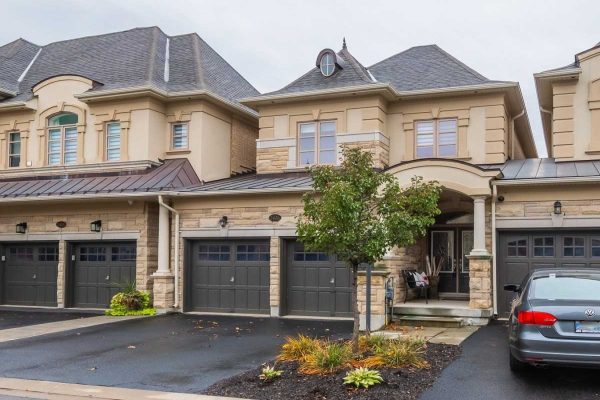 2426 Chateau Common, Oakville