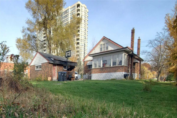 2530 Shepard Ave, Mississauga