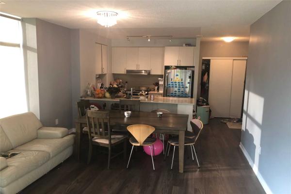 2560 Eglinton Ave W, Mississauga