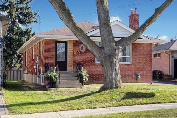 23 Lloyd Manor Rd, Toronto
