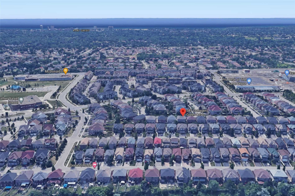 549 Cottagers Green Dr, Mississauga