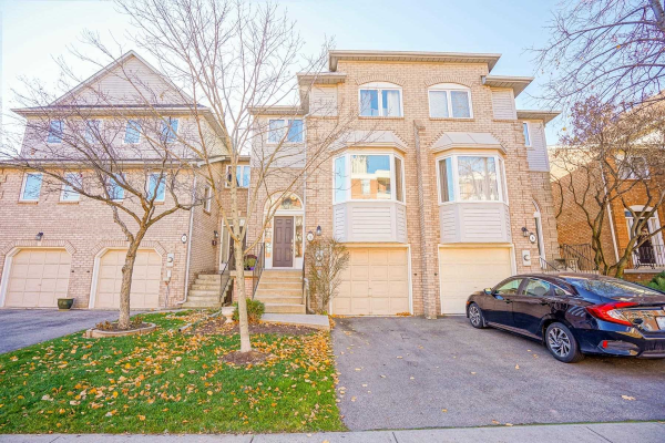 2051 Merchants Gate, Oakville