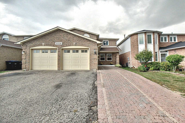 5538 River Grove Ave, Mississauga