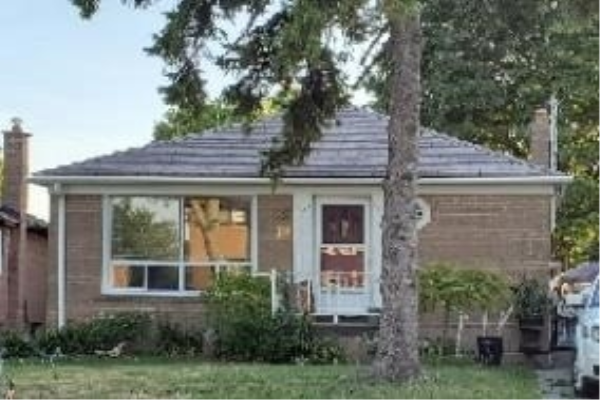 10 Treeview Dr, Toronto
