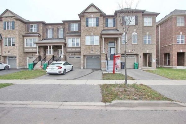 14 Viewforth Rd, Brampton