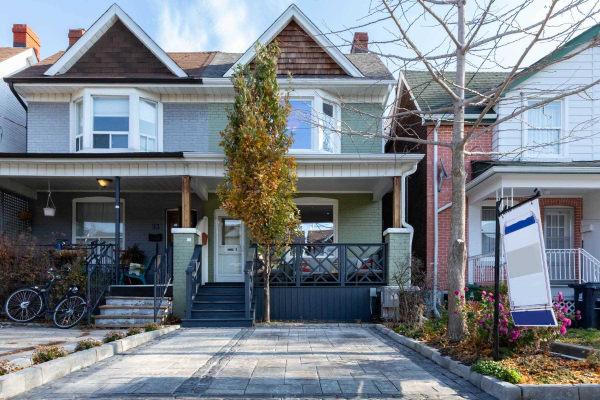 91 Campbell Ave, Toronto