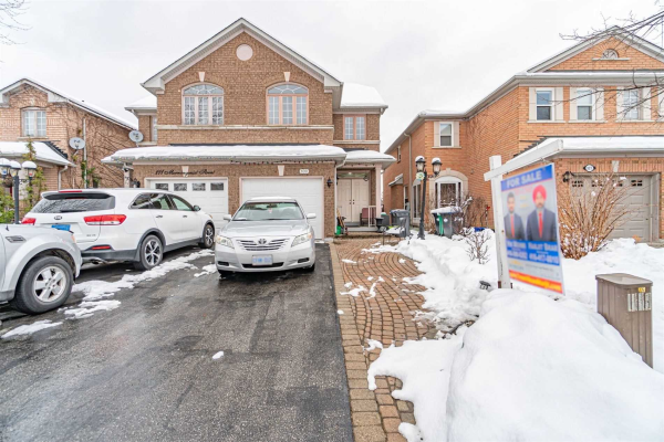 109 Morningmist St, Brampton