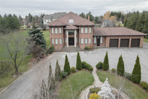 8 Evergreen Ave, Brampton