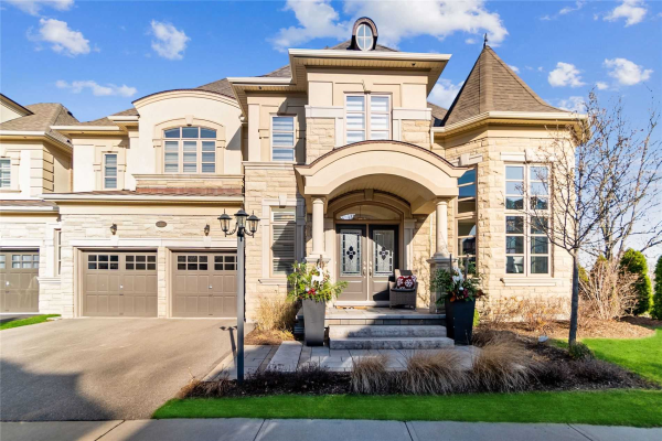 2385 Chateau Common, Oakville