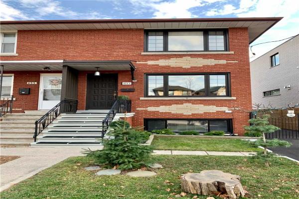 423A Valermo Dr, Toronto