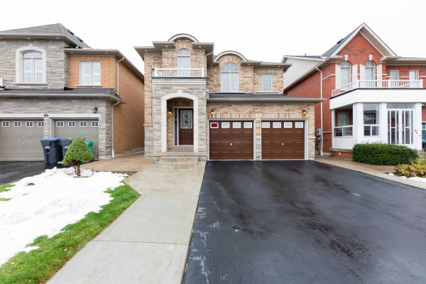 17 Millsborough Rd, Brampton