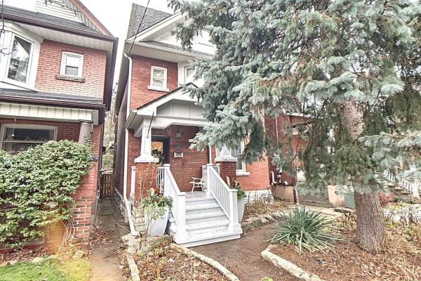 18 Constance St, Toronto