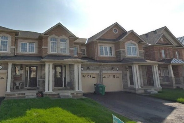 43 Hogan Manor Dr, Brampton