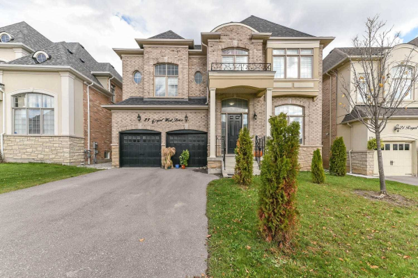 23 Royal West Dr, Brampton