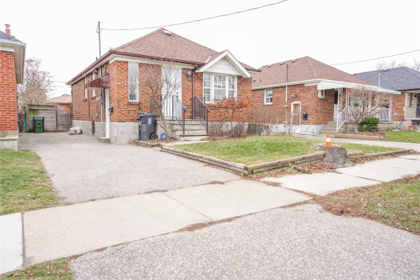 46 Rothsay Ave, Toronto