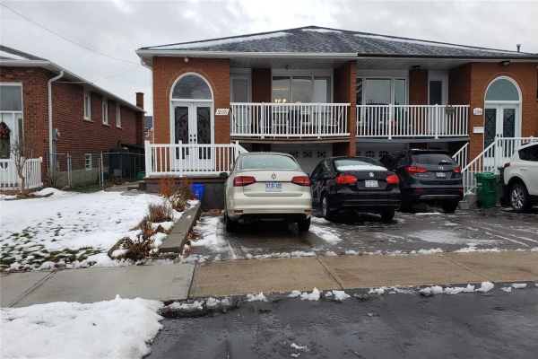208 Meadows Blvd, Mississauga