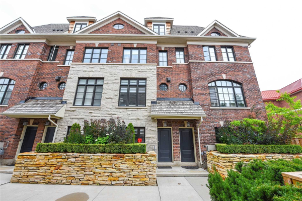 2012 Queensborough Gate, Mississauga