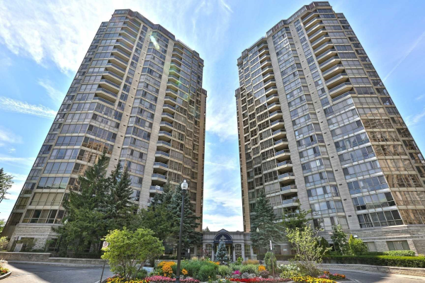 55 Kingsbridge Garden Circ, Mississauga