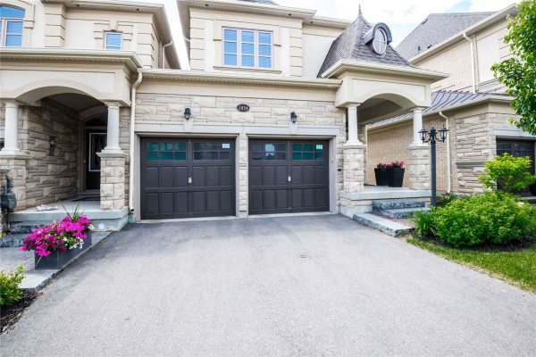 2434 Chateau Common Crt, Oakville