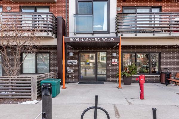 5005 Harvard Rd, Mississauga