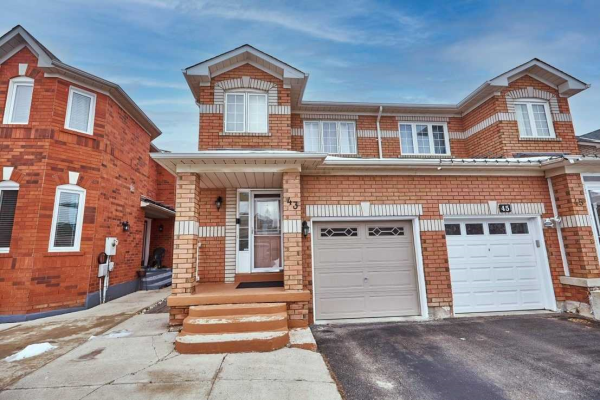 43 Whiteface Cres