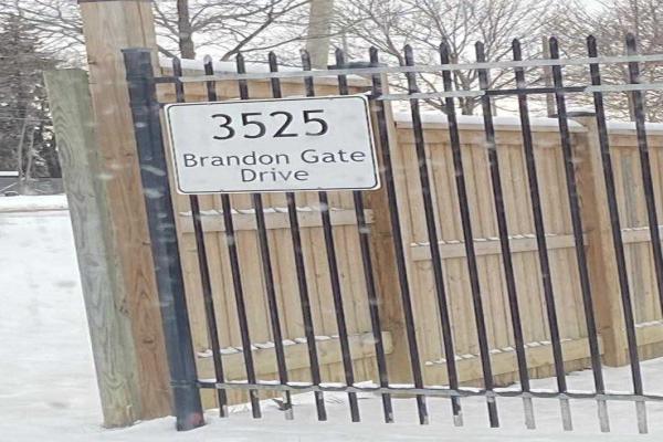 3525 Brandon Gate Dr, Mississauga