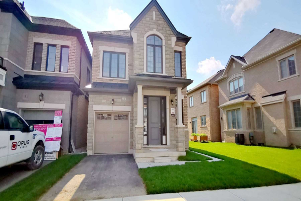 3 Angelfish Rd, Brampton