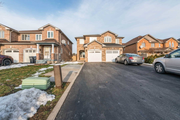 95 Morningmist St, Brampton