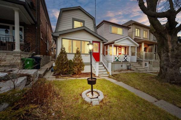 325 Mcroberts Ave E, Toronto