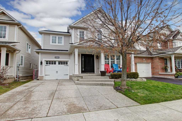 2203 Kenneth Cres