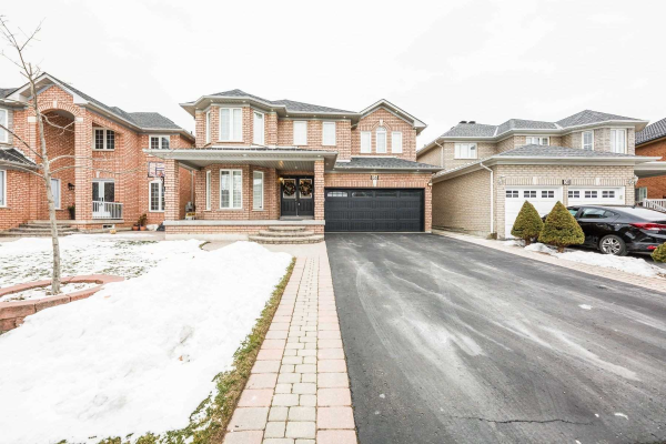 36 Dragon Tree Cres, Brampton