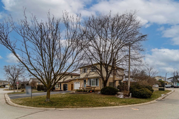 3072 Flanagan Crt, Burlington