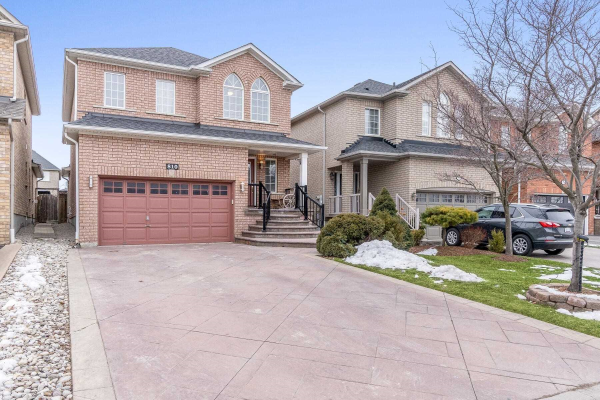 810 Brass Winds Pl, Mississauga