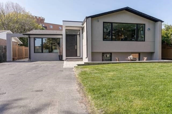 181 North Service Rd E, Oakville