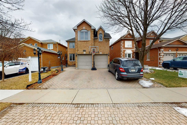 943 Ceremonial Dr, Mississauga