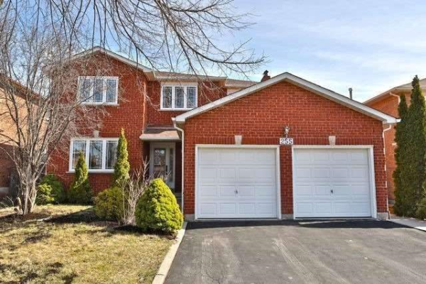 255 Old Orchard Circ, Oakville