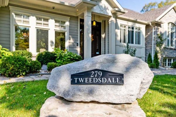 279 Tweedsdale Cres, Oakville