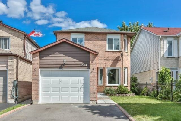 1594 Cuthbert Ave, Mississauga