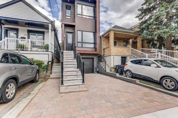 177 Chambers Ave, Toronto