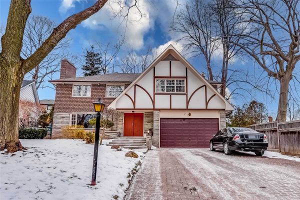 7 Royal Wood Crt, Toronto
