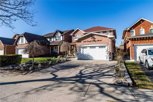 SOLD • 2587 Credit Valley Rd