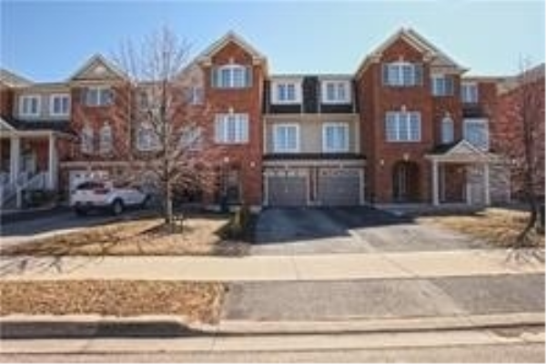 31 Decker Hollow Circ, Brampton